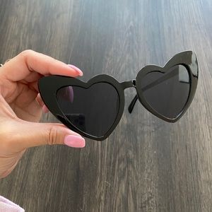 🕶 Heart Sunglasses Case Cleaning Cloth 🖤